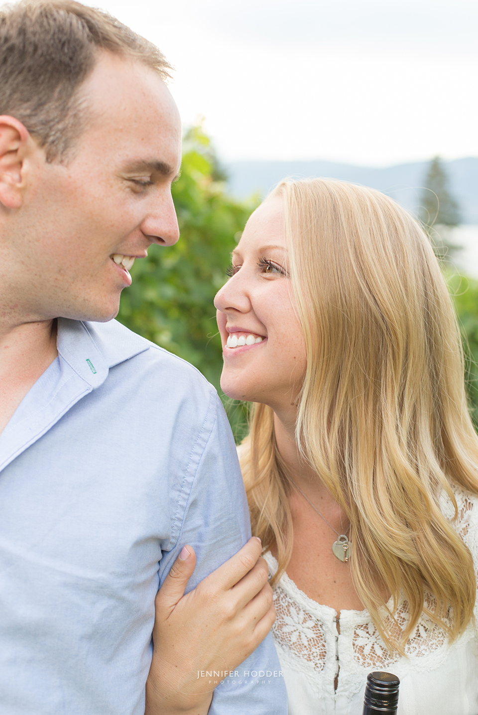 Okanagan engagement photographer