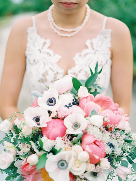 kelowna wedding photographer peony & anemone bouquet